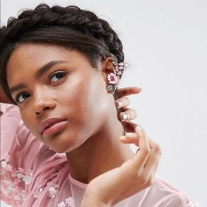 NWB ASOS Pretty Flower Ear Cuff in Pink